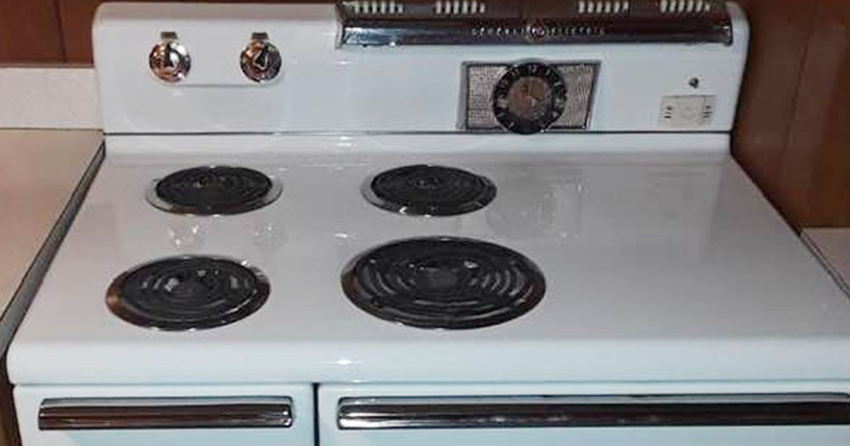 sheila-shined-vintage-gas-range