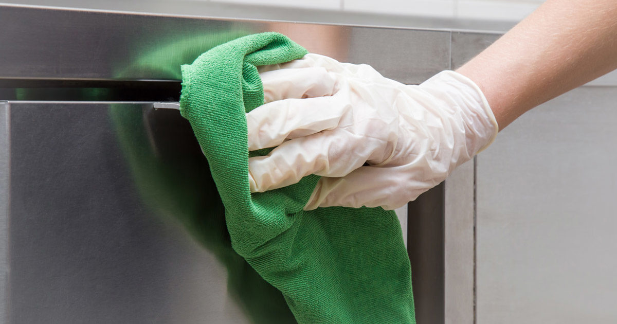 cleaning-commercial-stainless-steel